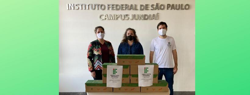 Câmpus Jundiaí doa alimentos para o Fundo Social de Solidariedade